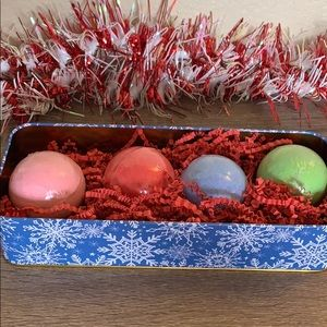 4 Bath Bombs Tin Gift Set